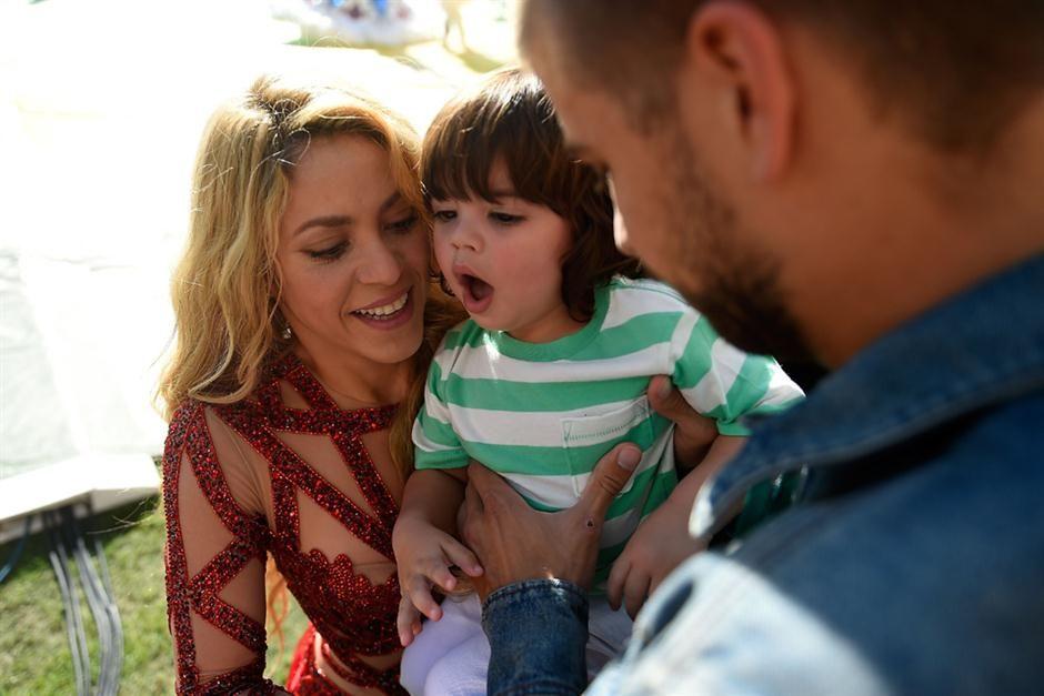Mirá todas las fotos de Shakira a los besos con su pequeño hijo, Milan Piqué
