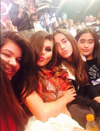 Las hijas de Jorge Rial le hacen el aguante a Loly Antoniale en el Bailando