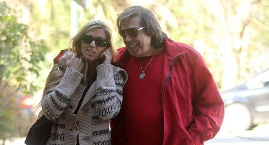 Mientras Cacho Castaña debuta en radio, su novia Marina Rosenthal fue citada por la Justicia