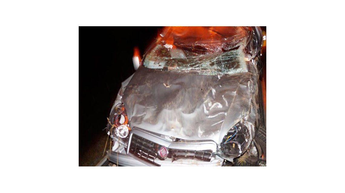 Así quedó el auto donde viajaba la hija de Tití Fernández