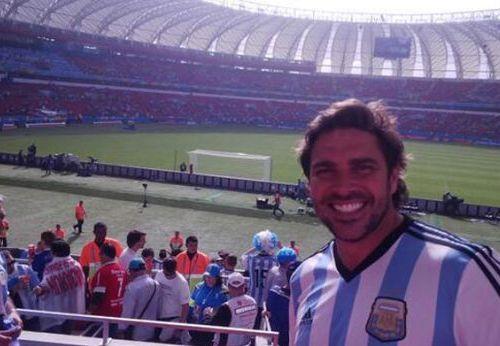 Famosos y botineras alentaron a Argentina en Porto Alegre: todas las fotos