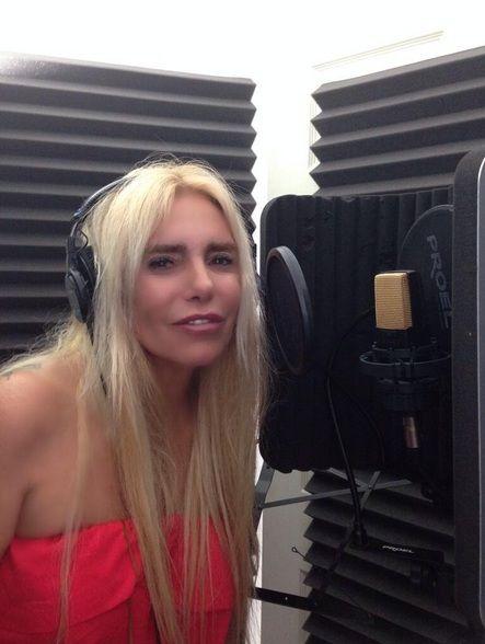 Silvia, la hermana de Fabián Rodríguez se lanza como cantante