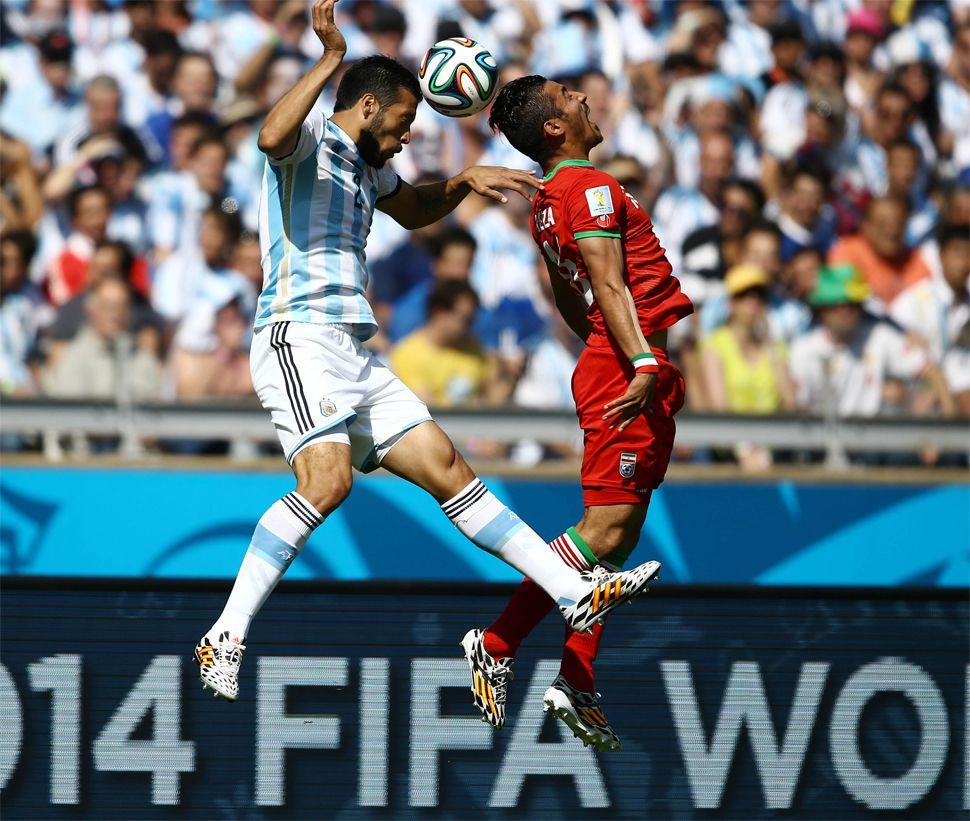 Así vivieron los famosos el partido Argentina-Irán por Twitter