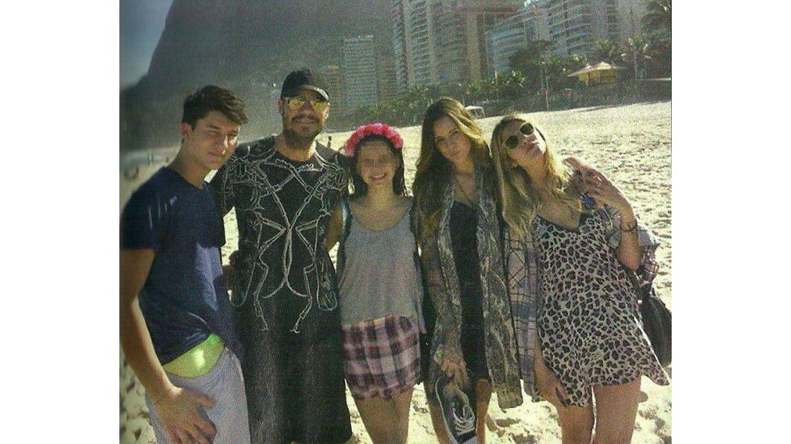 El álbum del fin de semana de Marcelo Tinelli, Guillermina Valdes y sus hijos en Río de Janeiro