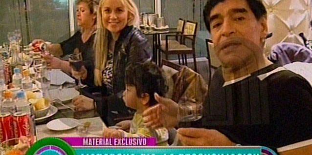 Diego Maradona presentó oficialmente a su hijo al mundo en AM: Es un ángel