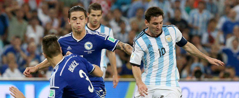 Con picos de 54.1 puntos de rating, el debut de Argentina paralizó al país y la televisión