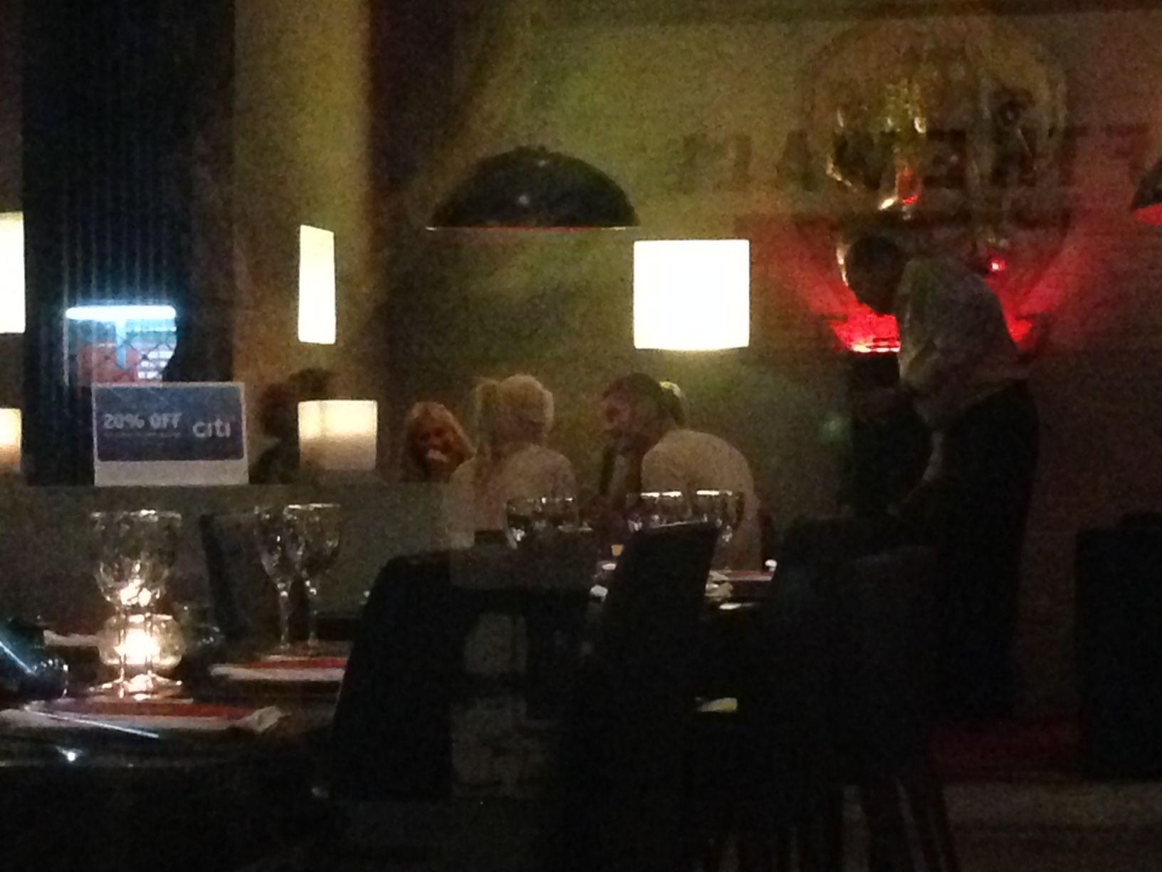 Los cholulos de siempre: Recién casados, Wanda y Mauro cenaron en Palermo