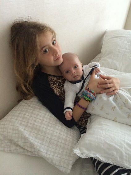 La imagen más tierna: Lorenzo Tinelli en brazos de la hija de Guillermina Valdes