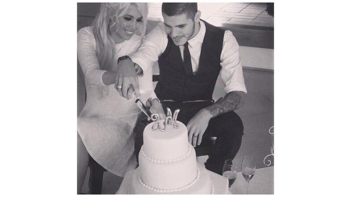 Mientras Wanda denunciaba a su ex, Mauro Icardi mostraba su torta de bodas