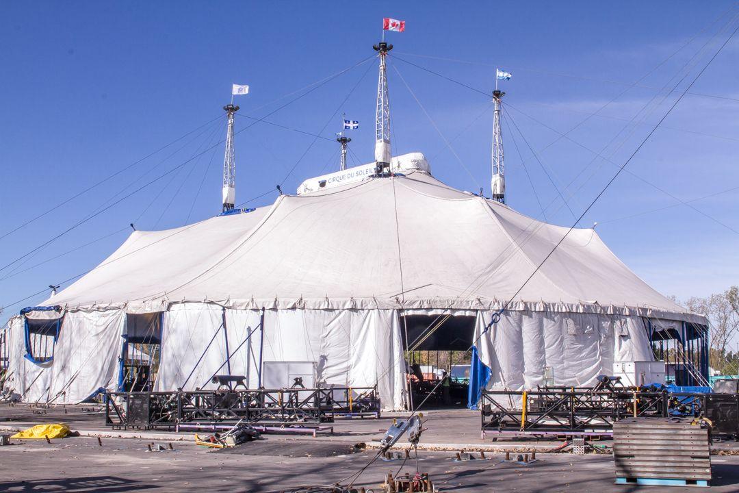 Llegó el Cirque du Soleil a Buenos Aires y así levantó la gran carpa blanca