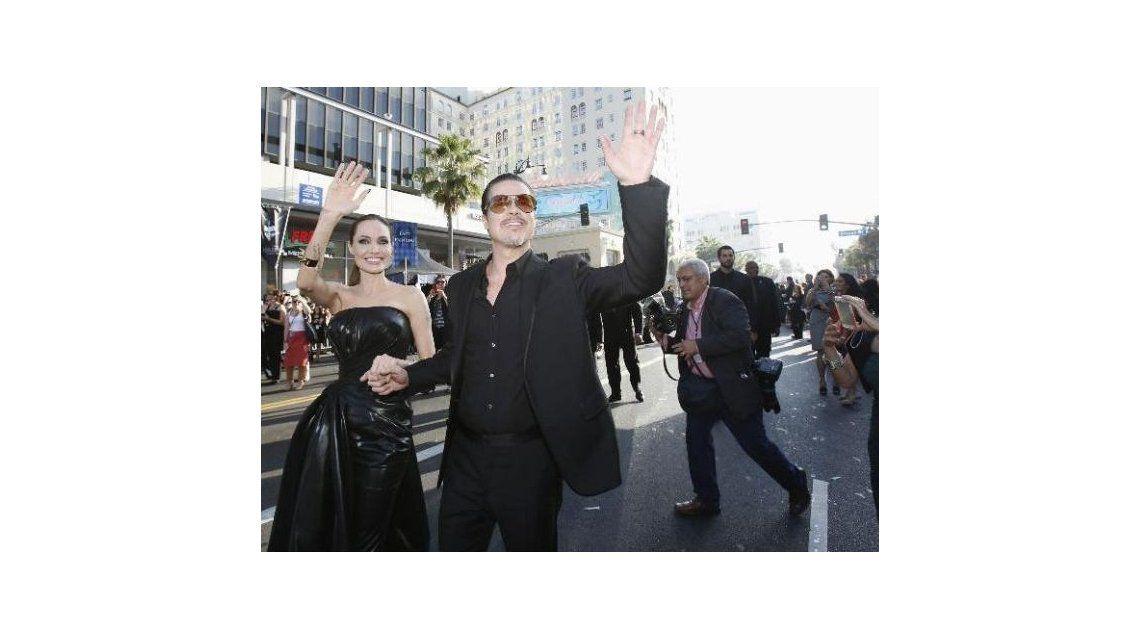 Un periodista le pegó a Brad Pitt durante la presentación de una película