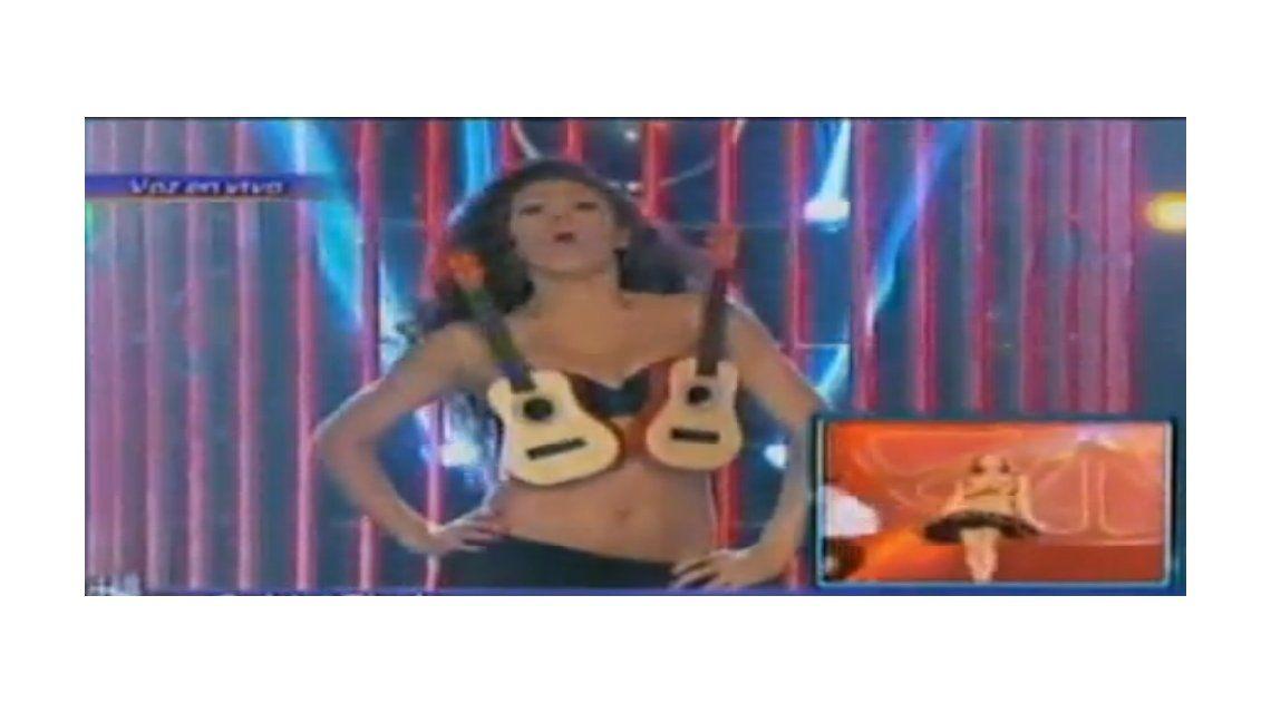 Con una sensual imitación de Thalía, Coki Ramírez triunfó en la gala