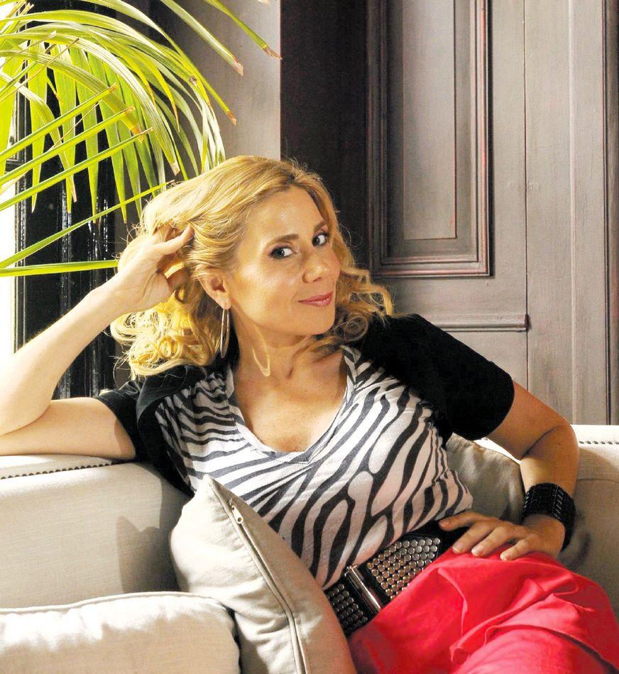 Andrea Politti confesó que le hace mal mirar Los unos y los otros