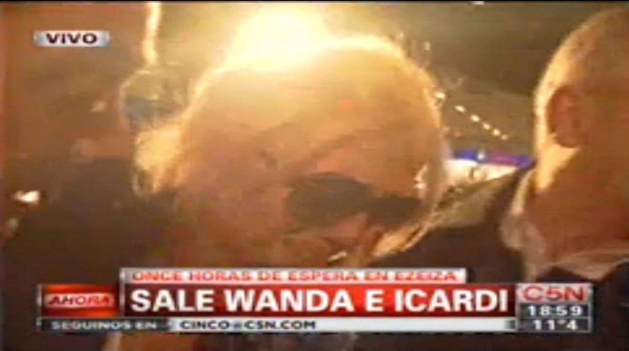 ¿Por qué Wanda Nara quedó demorada en Ezeiza?