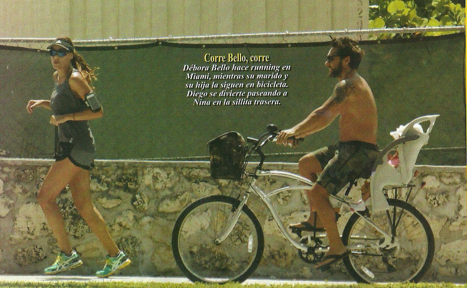 Diego Torres y Débora Bello pasean a su hija Nina en bicicleta en Miami