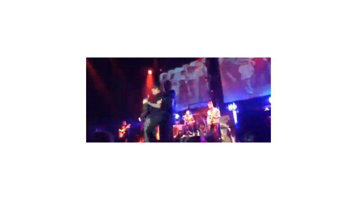 Noquearon a Morrissey al final de un show en California