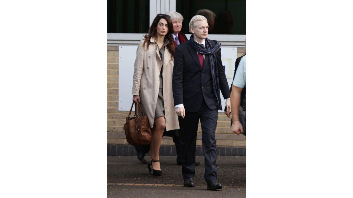 Junto a Julian Assange