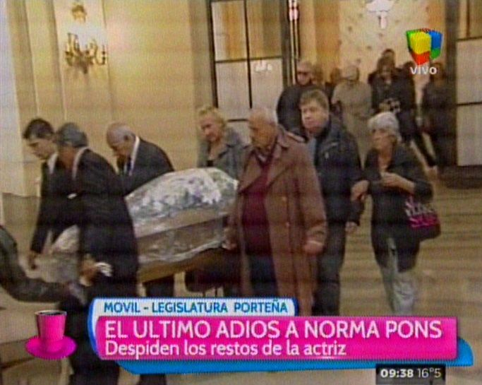 El emotivo último adiós a Norma Pons