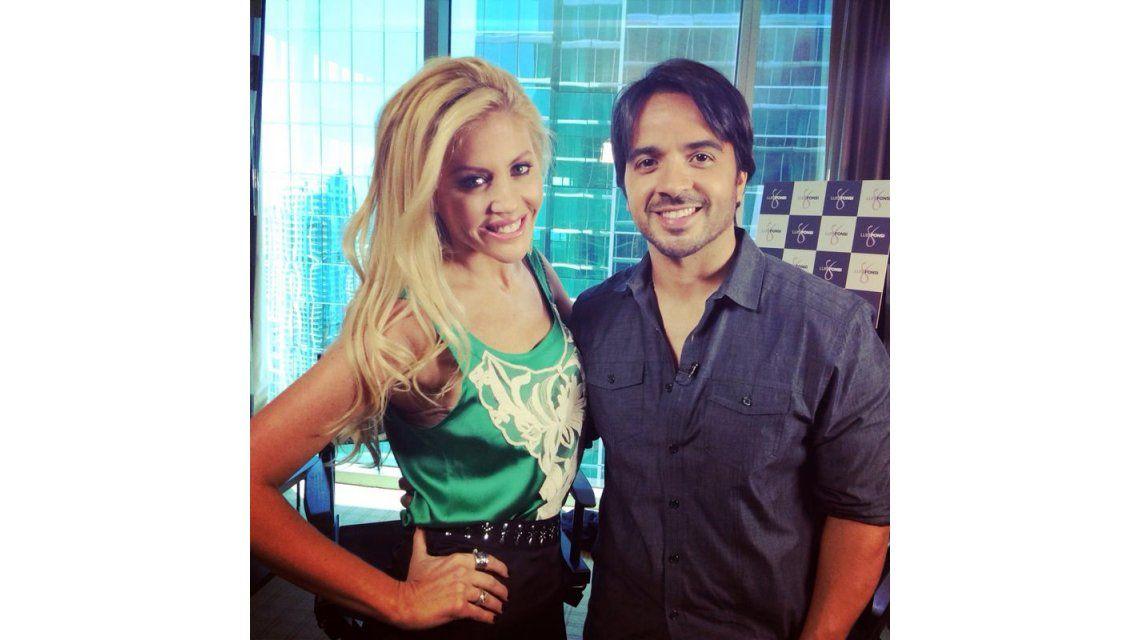 Barbie Simons en los premios Billboard junto a Luis Fonsi y Enrique Iglesias