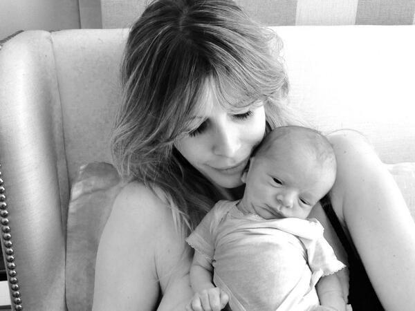 Guillermina Valdes presentó oficialmente a Lorenzo, su hijo con Marcelo Tinelli: Feliz