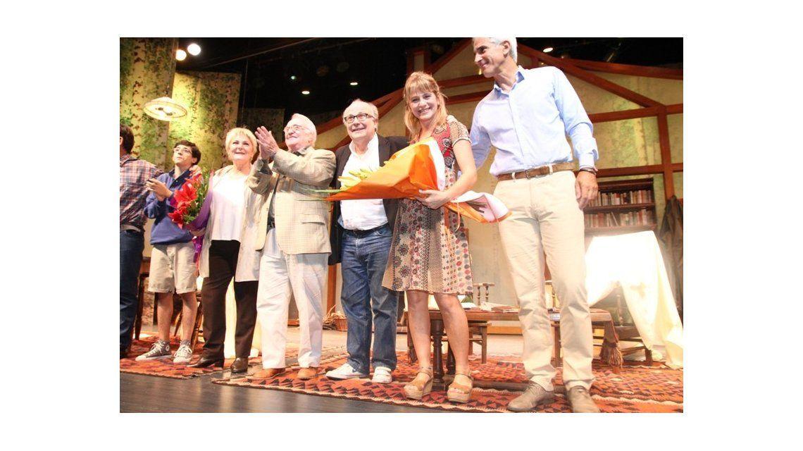 Pepe Soriano y Claudia Lapacó estrenaron La laguna dorada con famosos