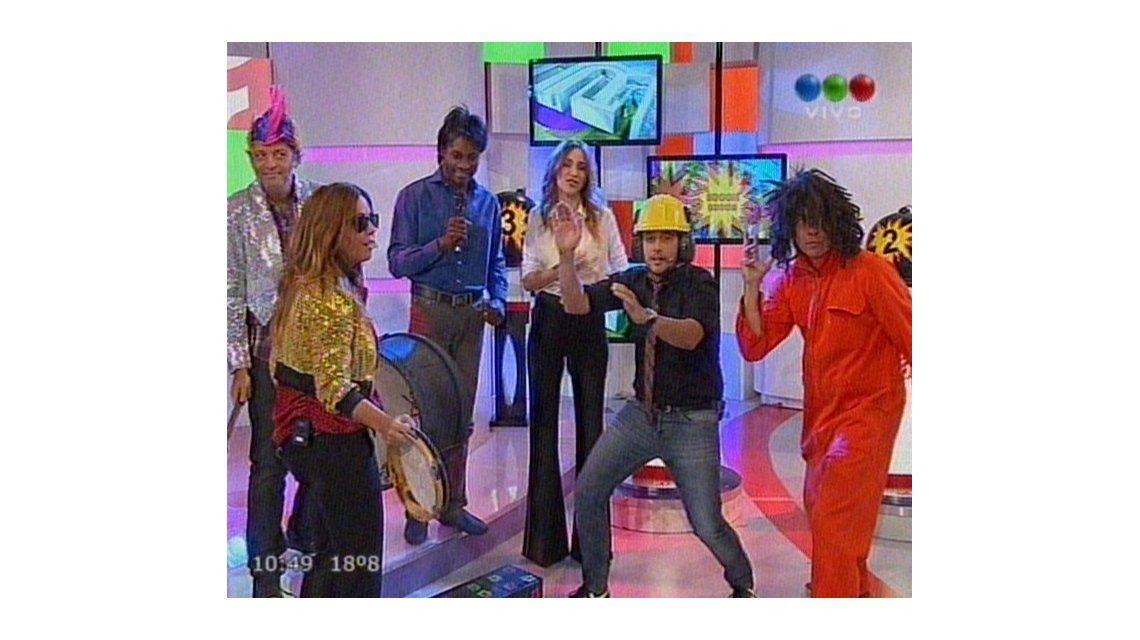 AM festejó 8 años con un súper festejo y un baile con Vero Lozano y el equipo