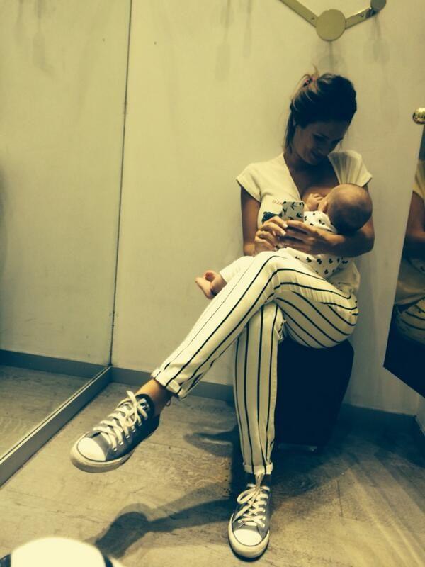 Las tiernas fotos de Paula Chaves amamantando a su beba Olivia