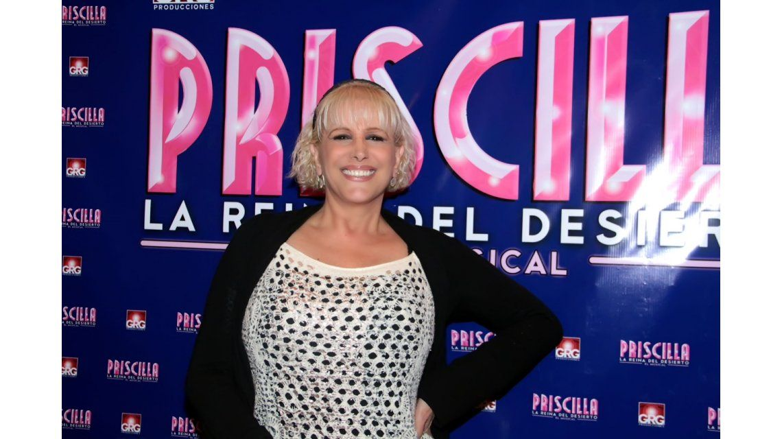 Valeria Lynch visitó Priscilla, la reina del desierto