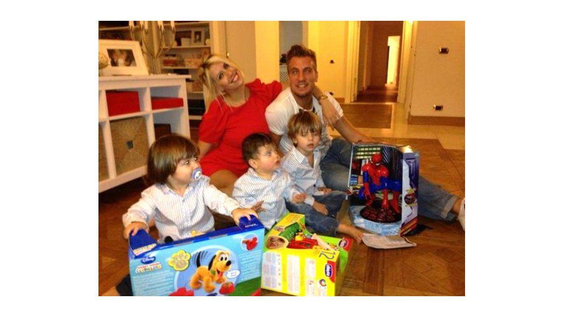 Wanda Nara, en vez de ir a buscar a sus hijos, le reclama a Maxi López en Twitter