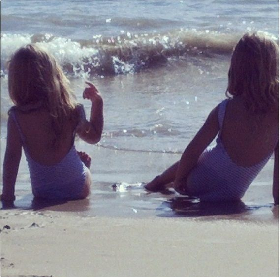 Las vacaciones de Nicole Neumann y sus hijas en Punta del Este