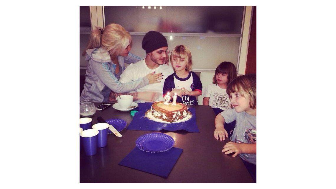 El festejo íntimo del cumpleaños de Mauro Icardi con Wanda Nara y sus hijos