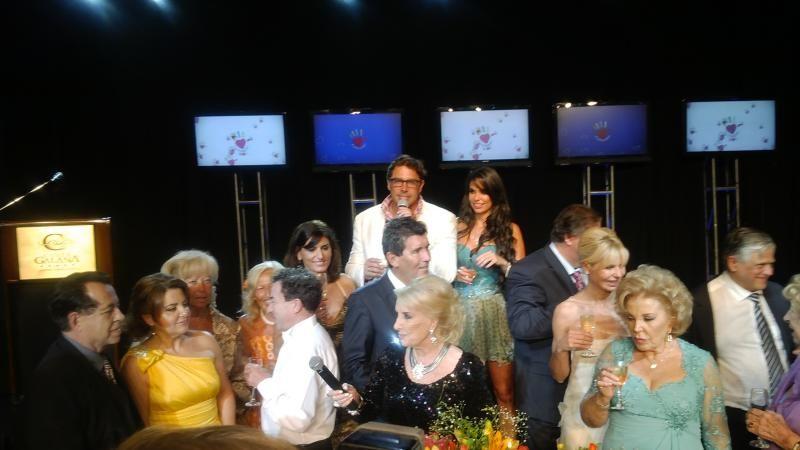 La noche en que Mirtha bendijo la pareja de Matías Alé y Sabrina Ravelli