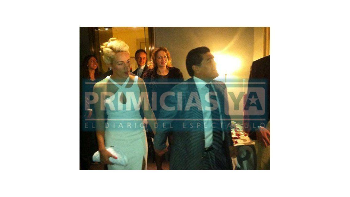 Muestran fotos inéditas del compromiso de Maradona y Rocío Oliva