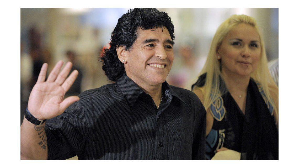 Dicen que Maradona va a ser papá de nuevo; Ojeda estaría embarazada