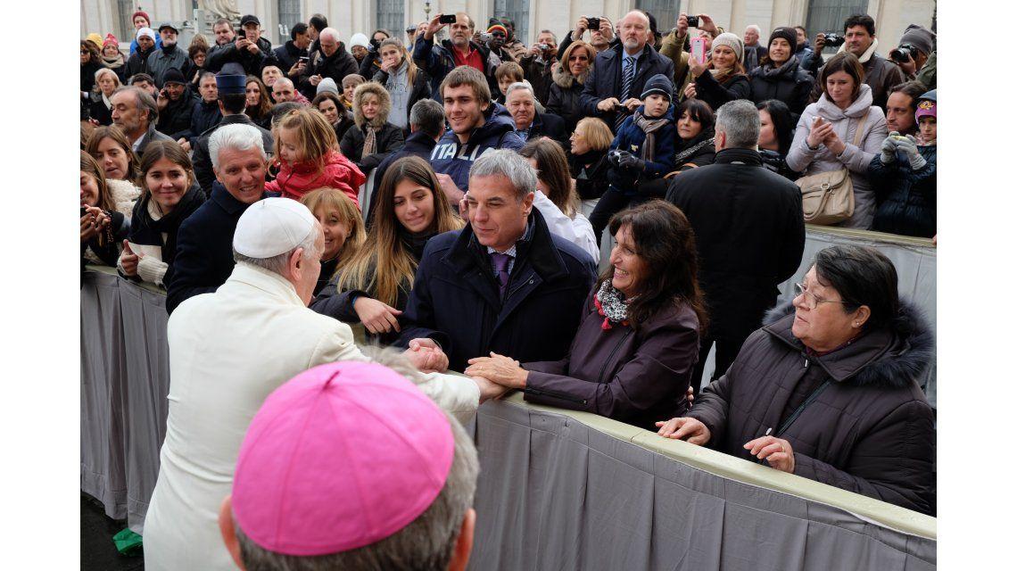 Carlos Monti se sumó a los famosos que visitaron al Papa Francisco