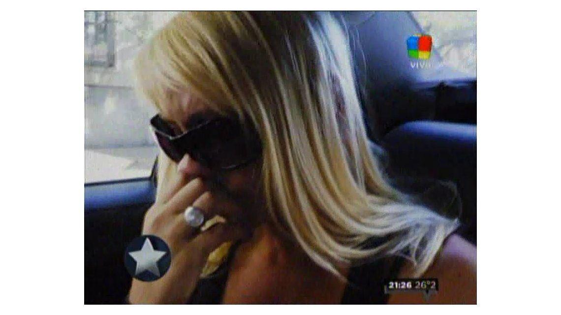 Mónica Farro fue a ver a Juan Suris, su novio preso, y lloró después de la visita