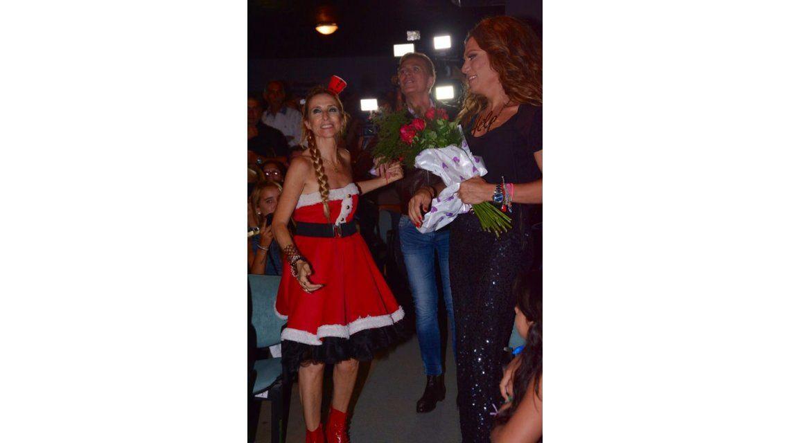 Flor de la V fue a ver a su amiga Gladys Florimonte en Familia de mujeres