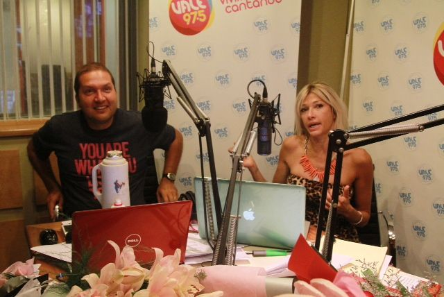Cathy Fulop debutó como conductora en radio Vale, con Ova de visita