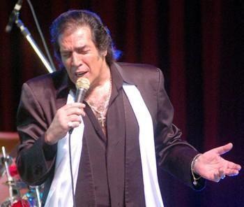 Cacho Castaña suspendió su show en el Colón por problemas de salud