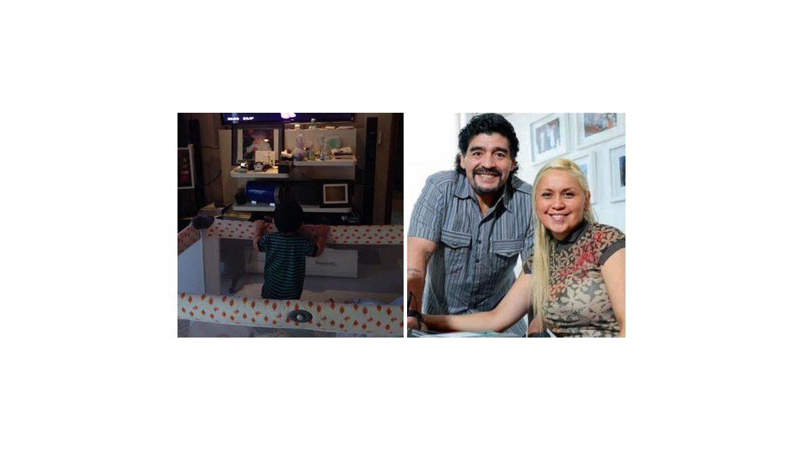 El hijo de Maradona ya casi camina, pero Diego prefirió festejar con su nieto