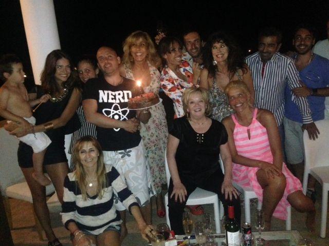 El doble festejo de Georgina, Los locos Grimaldi y Familia de Mujeres