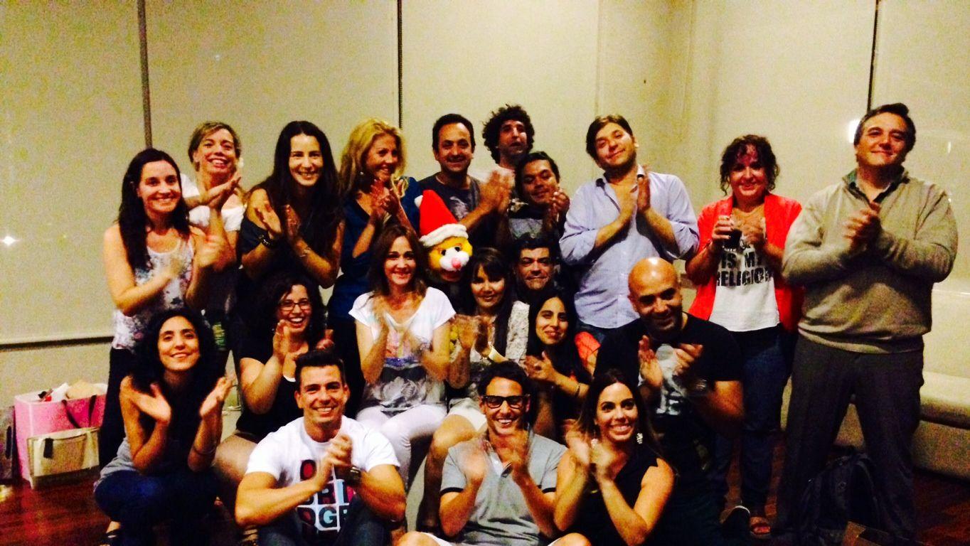 El equipo de AM festejó los premios Tato y despidió el 2013 con una cena