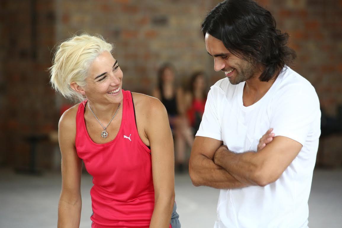 Juana Viale, rubia platinada, vuelve a la tele y ya graba con Gonzalo Heredia