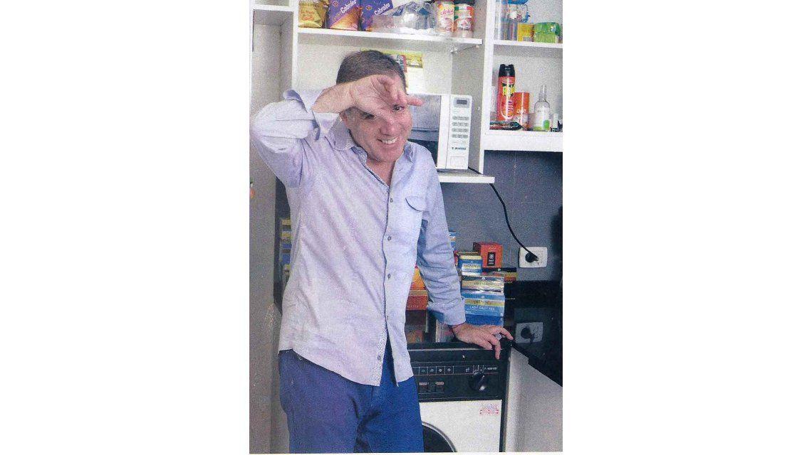 Fabián Doman se quedó sin Evelyn y sin su nueva novia: ahora plancha y lava él