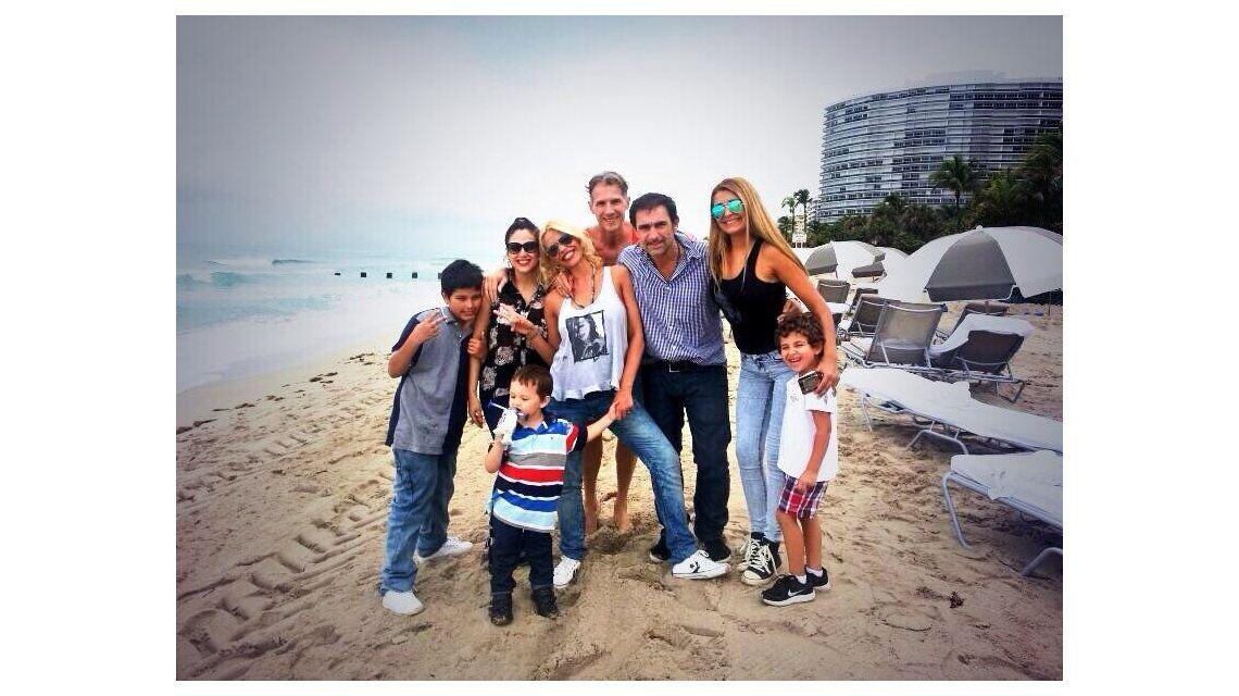 Las vacaciones de Nazarena Vélez, su marido y sus hijos en Miami