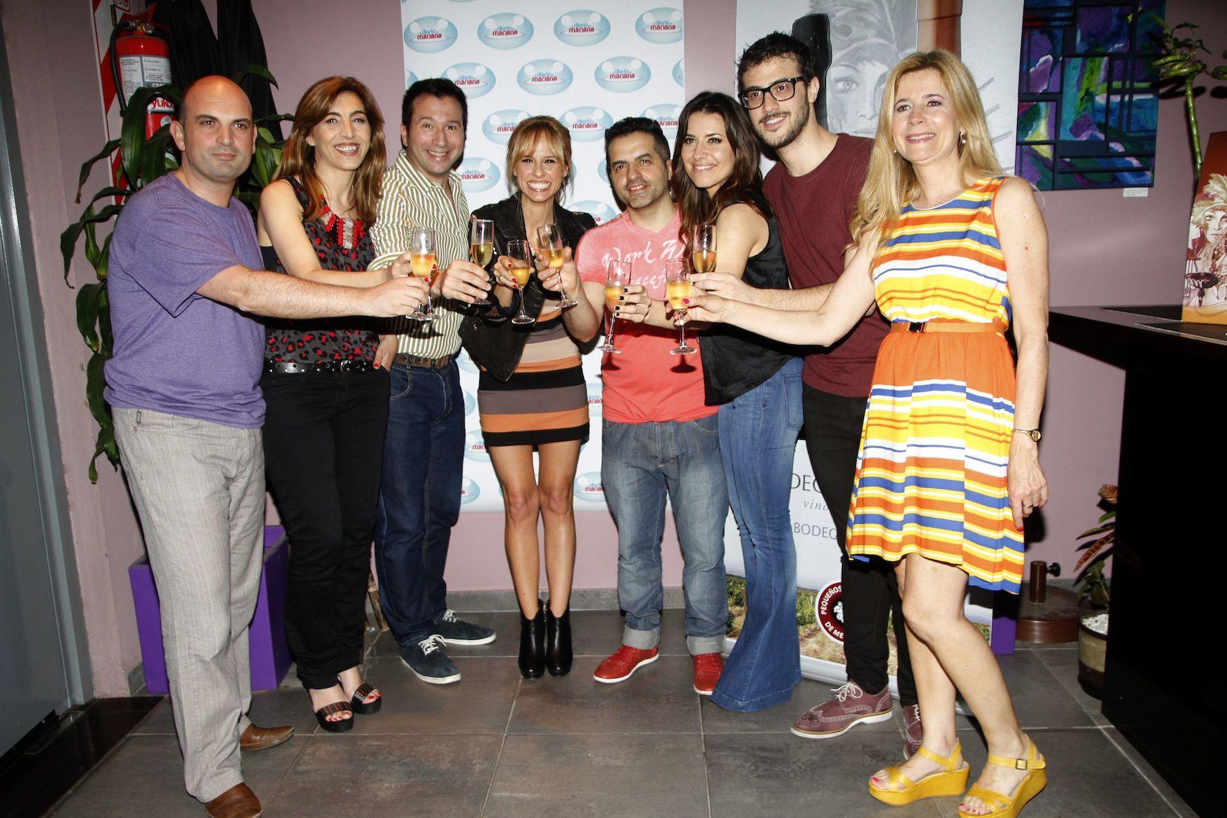 El equipo de El Diario de Mariana se reunió para festejar el éxito del programa