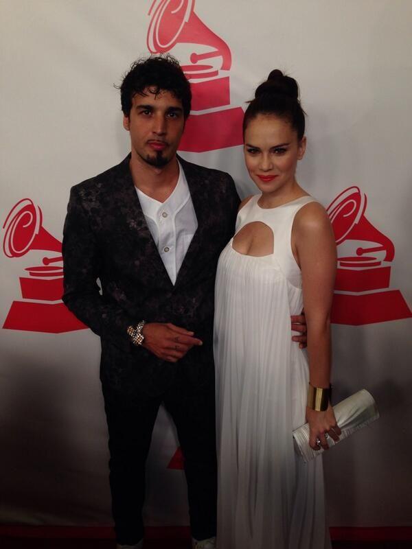 Dante Spinetta y Luz Cipriotta se casaron en Las Vegas, luego de los Grammy