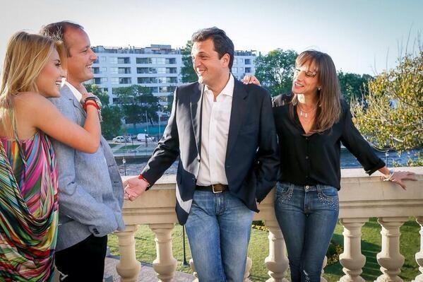 Juntos por amor: Cirio e Insaurralde con Massa y su esposa en el Tigre esta tarde