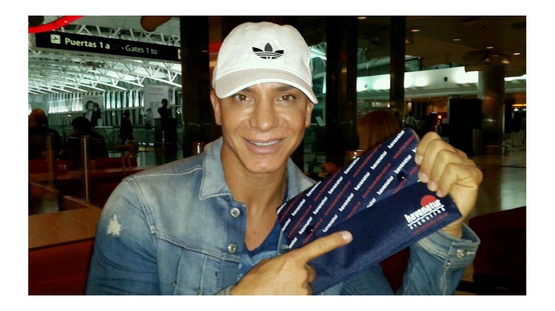 Flavio Mendoza se hizo un implante capilar y huyó a Nueva York