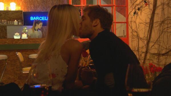 Llegó el primer beso de Cathy Fulop y Nico Riera en Taxxi, amores cruzados